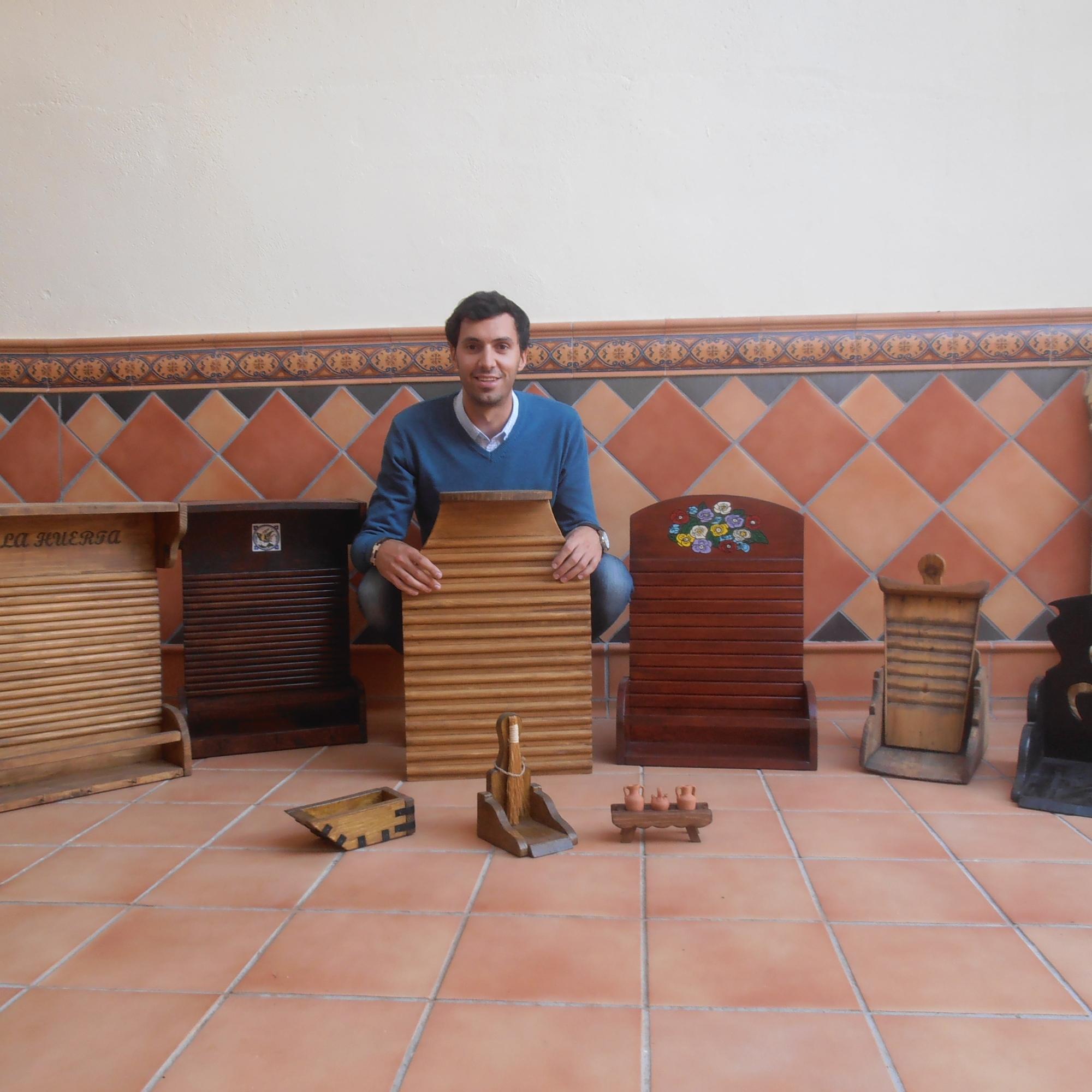 Modelos variados de tablas de lavar y recogedores