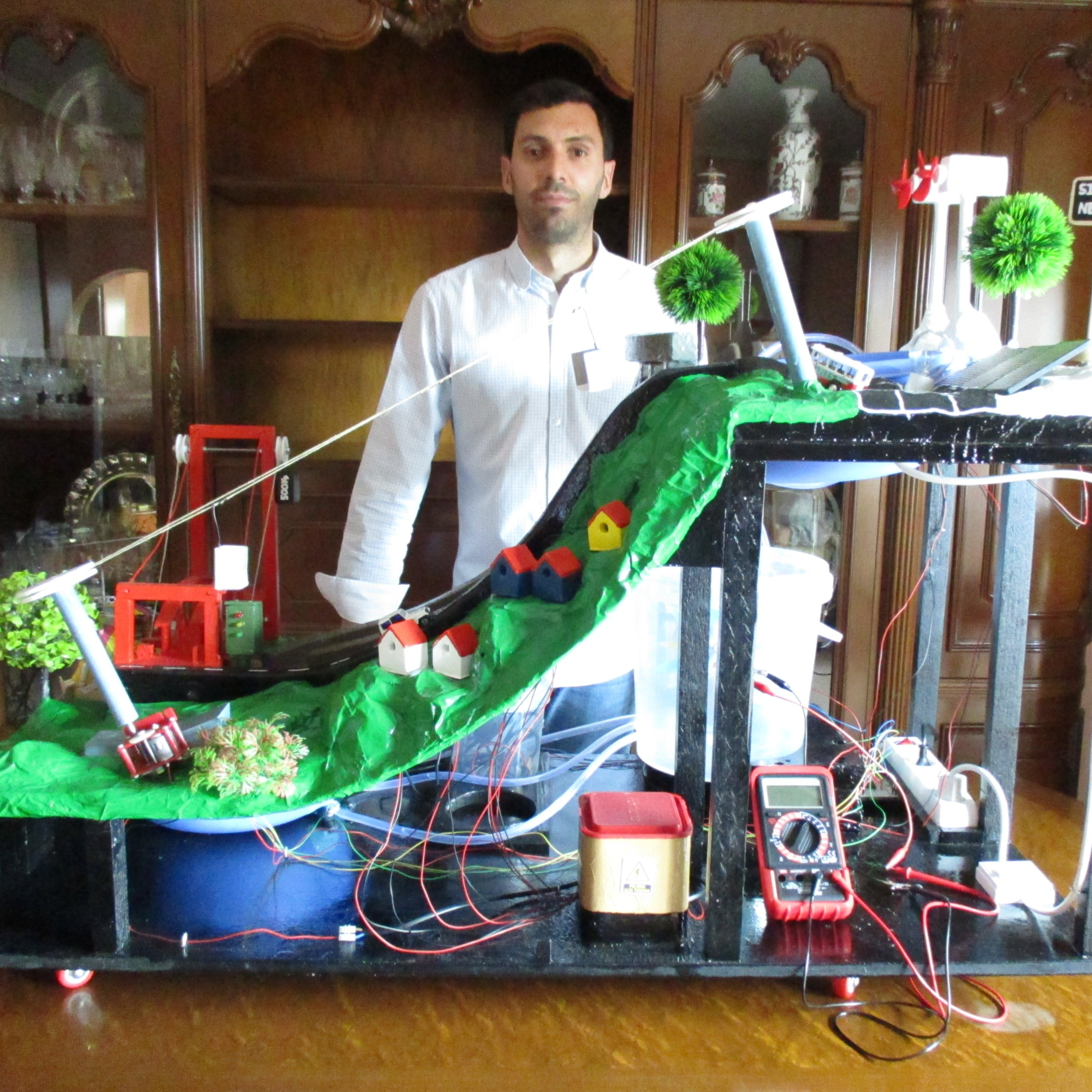 Proyecto elaborado para el I.E.S. Universidad Laboral de Toledo (asignatura de Tecnología)